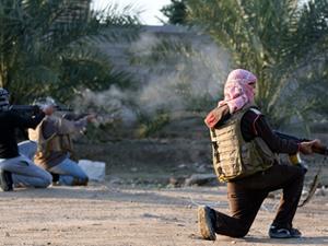 Peşmergeler, IŞİD'in karargahlarını ele geçirdi