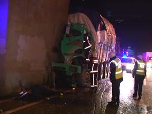 Haliç Köprüsü'ndeki kaza trafiği felç etti