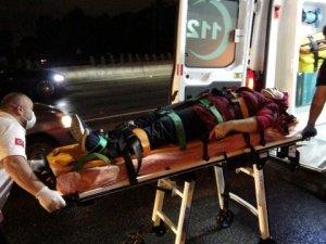 D100 Karayolu'nda 3 aracın çarpışmasıyla meydana gelen kazada 1 kişi yaralandı.