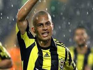 Alex Fenerbahçe taraftarının desteğini unutamıyor