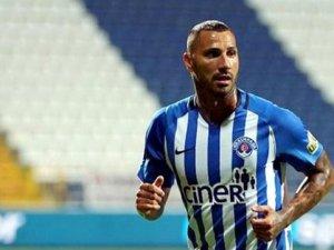 Geçtiğimiz sezon Kasımpaşa forması giyen Ricardo Quaresma, ülkesine döndü.