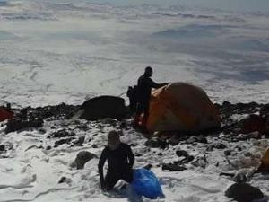 Eksi 40 derecede Ağrı Dağı'na tırmandılar