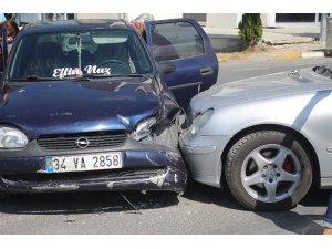 Tekirdağ'da iki otomobil çarpıştı: 1 yaralı