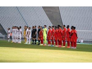 Süper Lig: Fatih Karagümrük: 1 - Yeni Malatyaspor: 0 (İlk yarı)