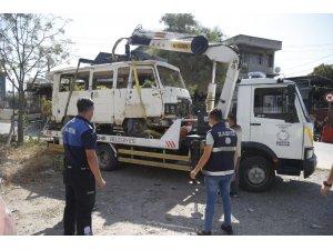 Konak'ta hurda araç operasyonu