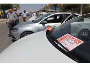 İkinci el araç fiyatları yükselmeye, satışlar düşmeye devam ediyor