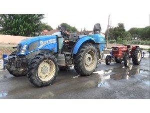Manisa'da çalınan 2 traktörü jandarma 1 haftada buldu