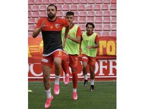 """Kayserispor kaptanı Hasan Hüseyin Acar: """"Çok mutluyuz"""""""