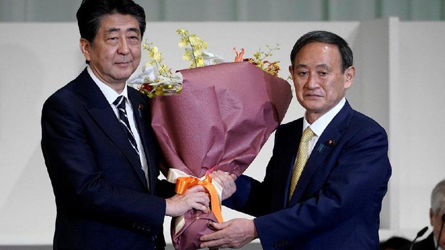 Japonya'da Başbakan Abe'nin yerine geçecek isim Yoshihide Suga oldu