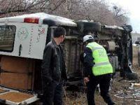 Minibüs para nakil arabasıyla çarpıştı: 14 yaralı