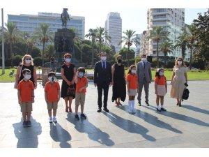 İzmir'de yeni eğitim öğretim yılı törenle başladı