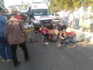 Elektrikli motosikletler çarpıştı: 3 yaralı