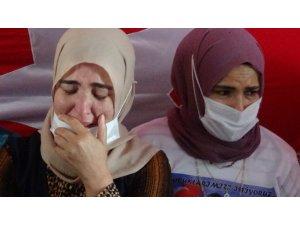 HDP önündeki ailelerden İHA ve TGRT'ye teşekkür