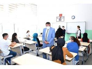 Gürkan, üniversite adaylarıyla buluştu