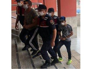 Şantiyeden aydınlatma kablosu çalan 4 kişiden 2'si tutuklandı