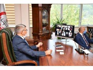 Vali Gürel, VKS üzerinden Zümre Kurul Toplantısı'na katıldı