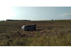 Tekirdağ'da araç tarlaya uçtu: 2 yaralı
