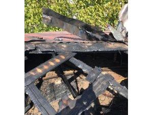 Van'da çatı yangını