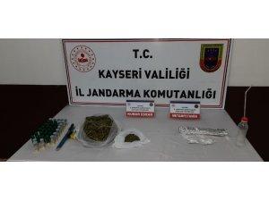 Jandarmadan uyuşturucu operasyonu: 515 gram kubar esrar ele geçirildi