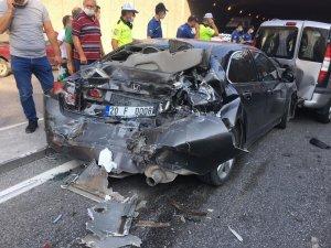 Denizli'de 9 araçlı zincirlemeli trafik kazası: 2 yaralı