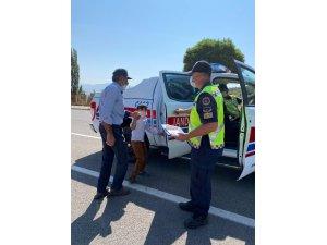 Jandarma trafik personelinden duyarlı davranış