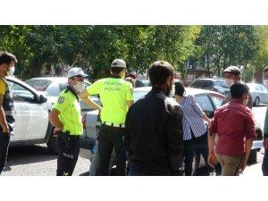 Ardahan'da maske takmayanlara ceza kesildi
