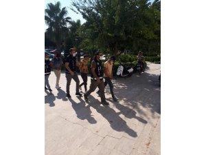 Uyuşturucu operasyonunda gözaltına alınan 3 şahıs tutuklandı