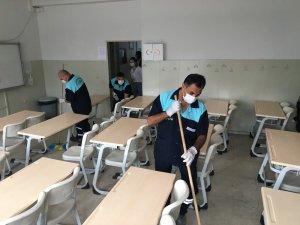 Zeytinburnu'nda yüz yüze eğitim öncesi okullar dezenfekte edildi