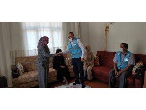 Antalya'da evleri yanan ailelere Türkiye Diyanet Vakfı sahip çıktı
