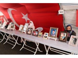 HDP önündeki ailelerin evlat nöbeti 380'inci günde