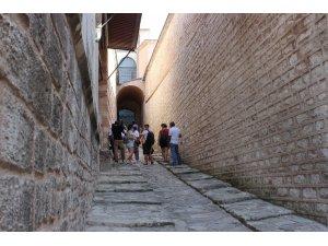 Padişahların gizli yolu Topkapı Sarayı'nda ziyaretçilerini bekliyor