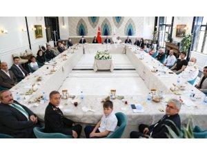 """İçişleri Bakanı Soylu: """"Kimlerin Anayasa Mahkemesini savunduğunu gördüm"""""""