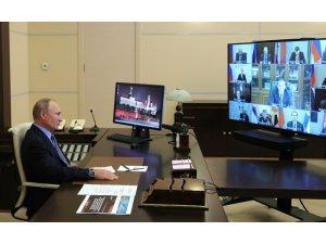 """Rusya Devlet Başkanı Putin: """"Silahlarımızın eşi benzeri yok"""""""