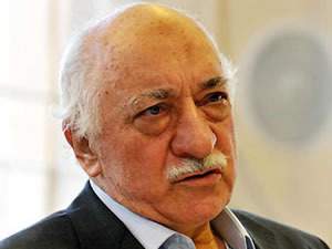 Gülen: Ülkenin kaderi haysiyetsizlerin ellerine düştü