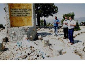 Karacaoğlan ve Karacakız'ın mezarları bakımdan geçirilecek