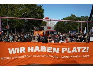 Berlin'de Moria'daki mülteciler için miting düzenlendi