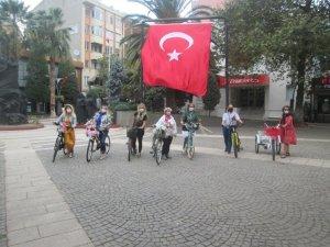"""""""Süslü Kadınlar Erdek Bisiklet Turu"""" yapıldı"""