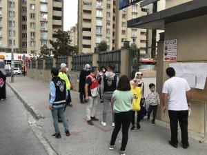 Esenyurt'ta okul çevresinde polis tedbiri