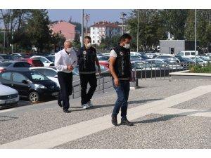 Bolu'da otomobilin bagajında 3,5 kilo esrar yakalandı: 1 gözaltı