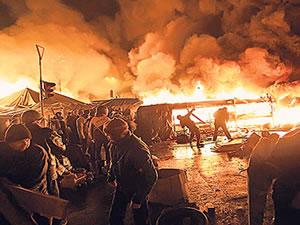 Batı yaptırımla tehdit etti, Yanukoviç 'ateşkes' dedi
