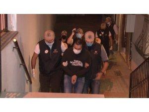 İstanbul'da eşzamanlı FETÖ operasyonu çok sayıda gözaltı var.