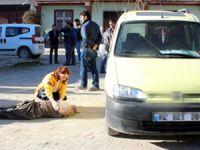 Yanlışlıkla otomobiliyle annesini öldürdü