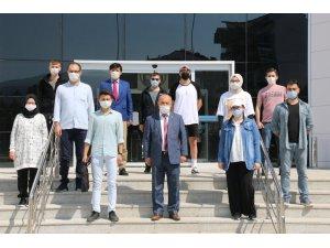 Teknofest'e katılacak öğrenciler yolcu edildi