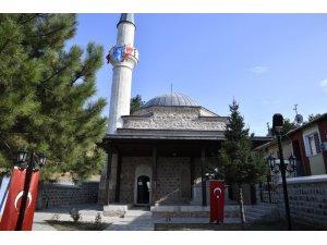 Restorasyonu tamamlanan İsmail Ağa Camii dualarla ibadete açıldı
