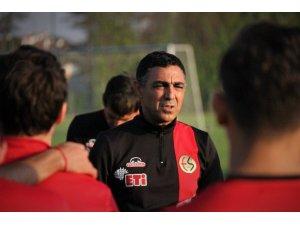 Mustafa Özer takımın son durumunu değerlendirdi