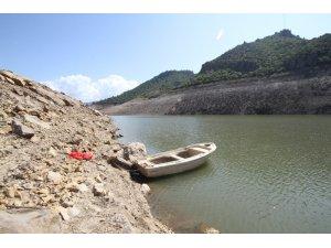 Ayvalık'ta kuraklık Madra Barajı'nı kuruttu