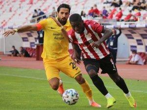 Süper Lig: D.G. Sivasspor: 0 - MKE Ankaragücü: 0 (Maç sonucu)