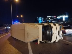 D100 Karayolunda facianın eşiğinden dönüldü; devrilen kamyonet metrelerce sürüklendi
