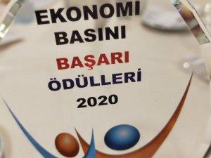 Ekonomi Gazetecileri Derneği'nin düzenlediği 12. Ekonomi Basını Başarı Ödülleri verildi.
