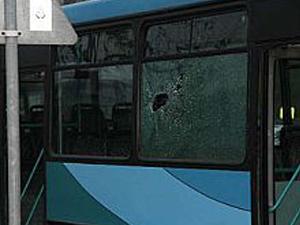 Şişli'de otobüse taşlı saldırı